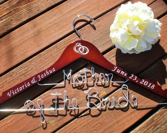 Personalized Hanger/Personalized Wedding Hangers/Personalized Custom Wedding Hanger/Weddings/Bride/Wire Hangers/PersonalizedVinyl Hangers