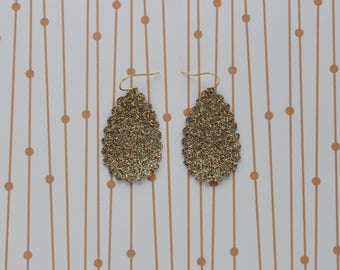 Glittery gold scalloped drop earrings