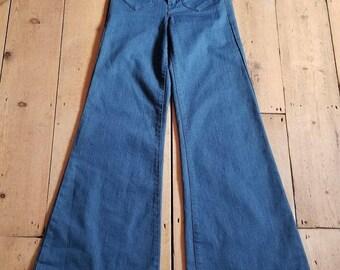 Karen Millen High waisted Flared Jeans Blue Denim Size 6