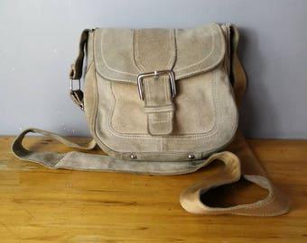 Beige suede shoulder bag / vintage beige leather shoulder bag / square suede purse with long shoulder strap / worn in vintage suede purse