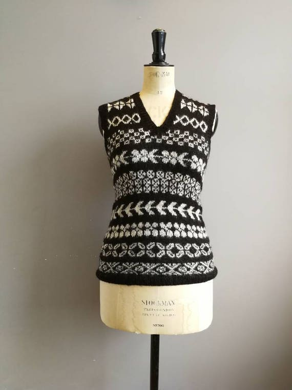 70s tanktop / Bolivian wool tank top / angora wool sweater / brown and cream fair isle pattern tank top / boho 70s wool top / small