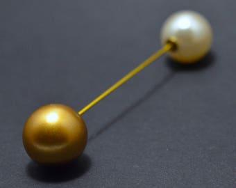 Gold pearl pin brooch