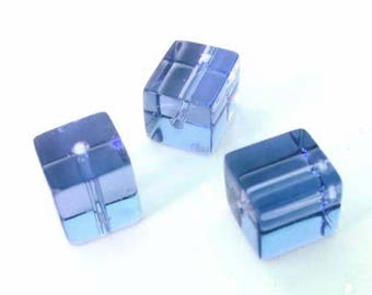 10 x 4mm sky blue glass cube beads