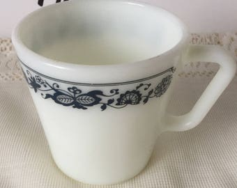 Vintage Pyrex Mug, Old Town Blue
