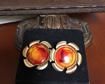 Sarah Coventry Flower gold toned clip earrings