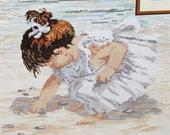 Janlynn counted cross stitch kit  29-19 Collecting Shells Vintage 1996