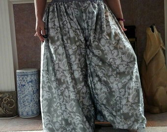 White Lace Print Silky Fabric Pantaloons