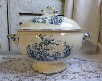 Antique french blue transferware soup tureen. Blue transferware large tureen. Navy blue. Butterflies Flowers. French country. French chateau