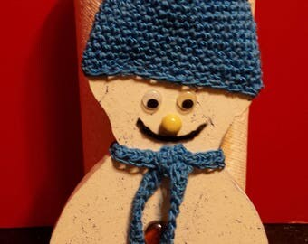 Cheery Snowman Paper Towel Stand