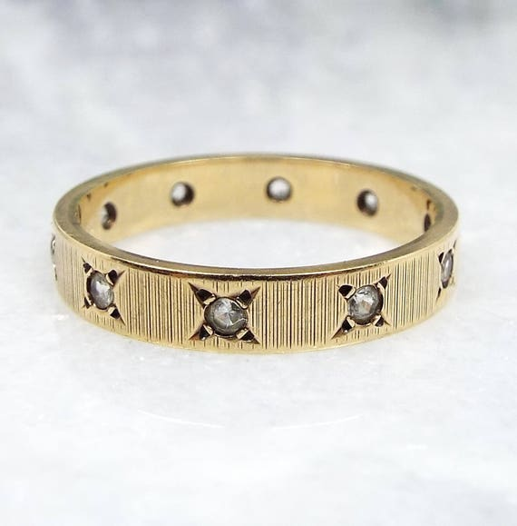 Vintage 1963 9ct Yellow Gold Textured Spinel Eternity Wedding Band Ring / Size L