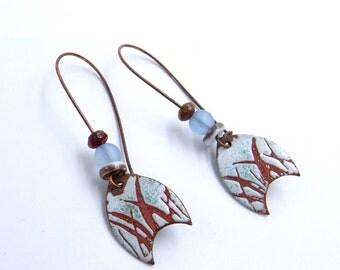 Boucles d'oreilles rustiques -  cuivre émaillé - motifs botaniques - végétal - artisanal - fait main - pièce unique - perles verre