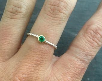 Emerald gold bezel silver band stacking ring // handmade jewelry // hammered textured band