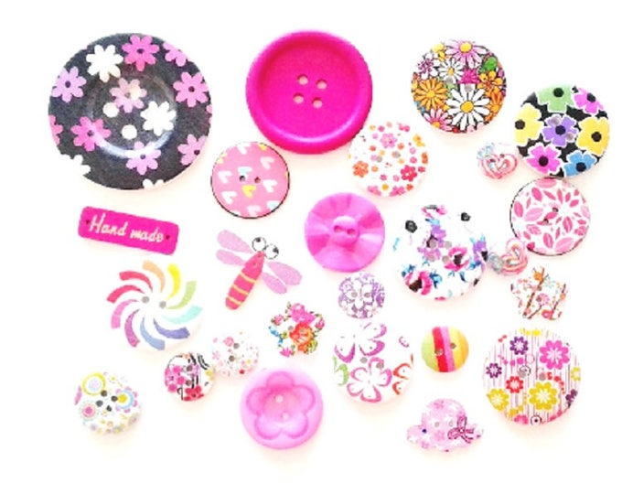 FREE SHIPPING Australia ONLY 25 Assorted Mixed Buttons in Various shades of Pink and Purple