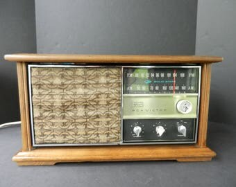 Working 1960's RCA Victor Wooden AM FM Radio, Solid State Transistor Radio, Tabletop Radio, Mid Century Decor