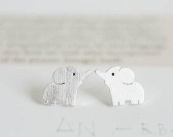 Puces d'oreilles minimalistes elephant