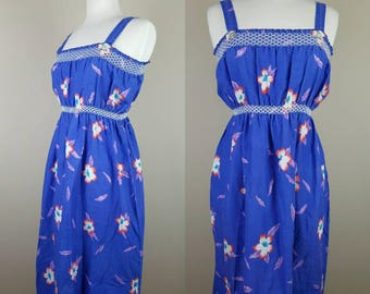 Vintage 70s Hawaiian dress | blue white red flowers | large