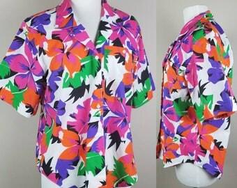 Vintage Hawaiian shirt for women - 1980s Hula shirt - luau shirt - button down 80s blouse