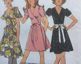 """1970s Vintage Sewing Pattern,Wrap-Dress in two lengths, Size 14 Bust 34"""""""