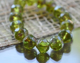 10 Czech Picasso Olivine Central Cut Beads 8mm (125-10)