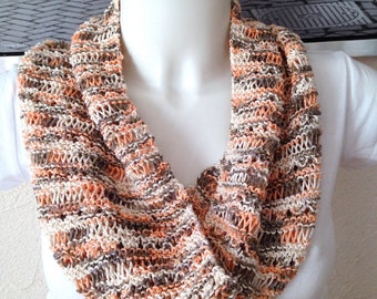 Snood infinity spring knit openwork salmon brown white