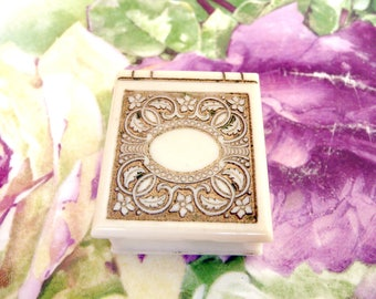 """Vintage Jewelry RING BOX! LOVELY! Small~Sweet~Petite~Antique~Handy~Practical~Ornate! Satin/Silk & Velvet Lined~1.25 x 1.5"""" Art Deco Style!!"""