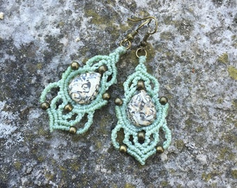 Macrame earrings with jasper drop cabochons and bronze metal beads - green