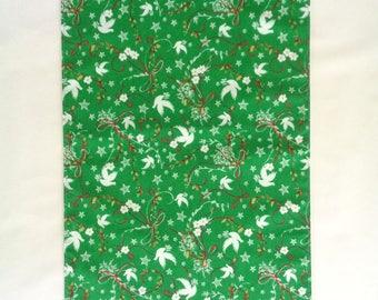 Green Christmas Table Runner, Green and White Runner, Christmas Runner