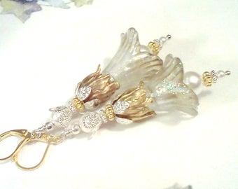 Hand Painted Earrings, Bridal Earrings, Sparkling Flower Earrings, Painted Lucite Dangles, Silver n Gold Earrings, Vintage, Victorian, Boho