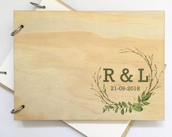 Wedding Guest Book - Engagement couple - Wood personalised wreath - Timber wedding couple initials monogram - guest signing