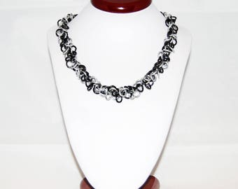 Shaggy loops stretchable collar