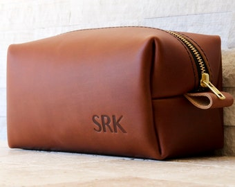 Leather Toiletry Bag Personalized Gift For Men Boyfriend Birthday Gift For Dad Groomsmen Gift Ideas Birthday Gift For Him Fathers Day Gift