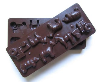 Mold; Vintage Hard Plastic Candy Chocolate Food Mold, Farm Animals & Tractor