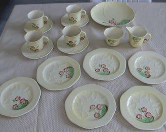 17pcs. CARLTON WARE PRIMULA Dishes, Cups, Saucers, Plate, Creamer, Sugar Ca. 1945