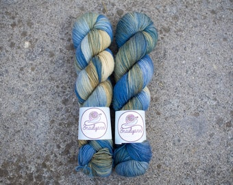 Ultimate Sock - Hand dyed Yarn - 75/25 Merino SW/Nylon - Fingering Weight 4ply - 100 grams - 425m/465yards - Neptune
