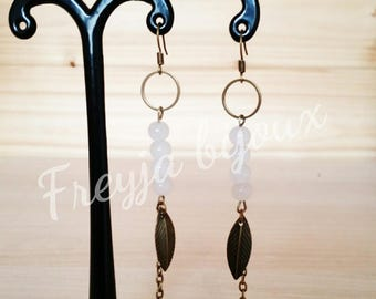 White pearls and bronze leaf charms dangling earrings