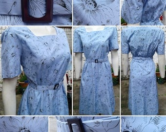 Gorgeous 1940s VOLUP Lavender Blue Day Dress with Large Contrasting Floral Print and Original Belt!