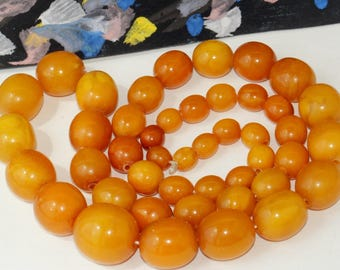 Antique Natural Amber Beads EGG Yolk Necklace 41.61 gr 老琥珀色