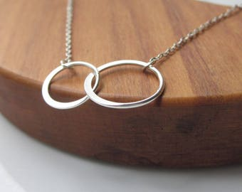 Linked rings Sterling Silver circle necklace, Family sisters necklace, eternity necklace, sterling silver jewellery