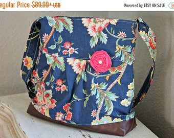 CHRISTMAS SALE Conceal Carry Purse, Medium Messenger Bag, Navy Floral, Floral, Flowers, Conceal Carry Handbag, Concealed Carry Purse, Concea