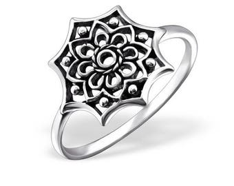 Celtic flower ring, oxidized, thin femine band, sterling silver