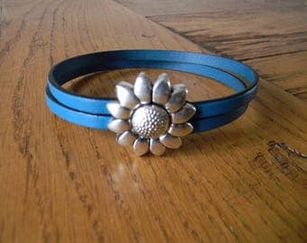Bracelet turquoise leather flower clasp