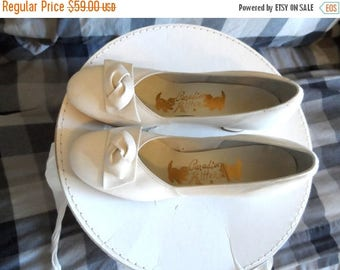 40% OFF Vintage 1950's Cream Leather Pumps*Size 8 B. Chunky 2 Inch Heels . PARADISE Kittens .Worn Once For Wedding .Party. essy. Wedding .Li