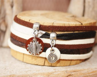 "Good luck charm bracelet ethnic ""Lands"" also beige & Brown"
