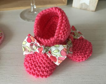 Pink booties with bow Liberty Betsy Leo made entirely by hand