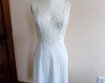 60s White Lace Slip by Vanity Fair Size 34