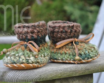 Woodlands MLE nonslip Mocs, Ready to Ship, Green Crochet Moccasin, Toddler Crochet Slipper, No Slip Leather Soles, Booties, Crochet Booties
