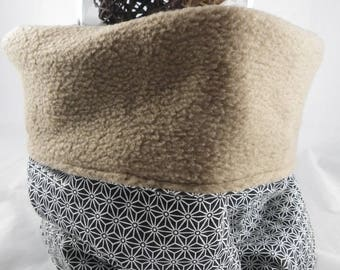 Snood020 - Snood black and white geometric beige interior