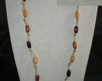 Col088 - Collier marron et beige de perles en bois