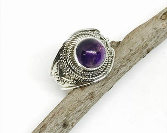 10% Amethyst ring set in sterling silver 925. Authentic genuine natural amethyst stone. Size -7, 8