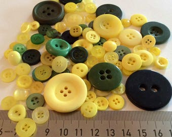 Mix of 100 buttons of various sizes (Ref.MIX3)